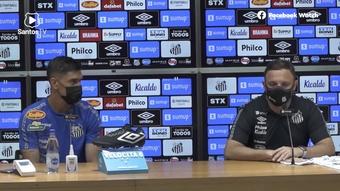 Santos apresenta zagueiro Emiliano Velázquez com camisa 61. DUGOUT