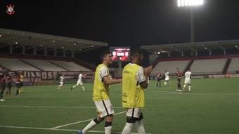 Gol de Gabriel Pereira no empate do Corinthians com o Atlético-GO. DUGOUT