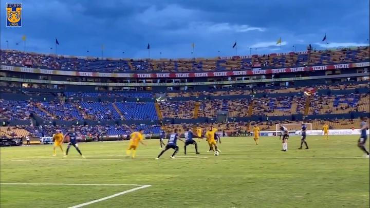 Golaço de Nico López pelo Tigres na estreia do Apertura 2021.