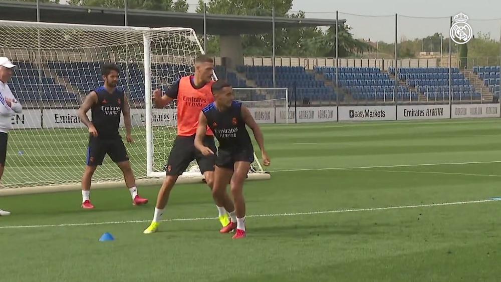 Ferland Mendy à l'entrainement avec le Real Madrid. dugout