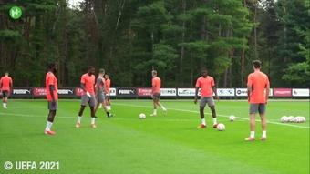 L'entrainement du Milan AC avant Liverpool. Dugout