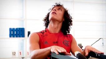 Il primo giorno di David Luiz nel Flamengo. Dugout