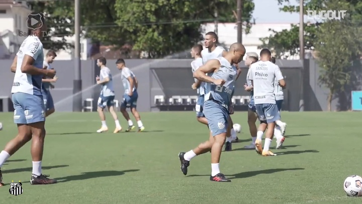 Santos se entrena antes de la vuelta ante San Lorenzo. DUGOUT