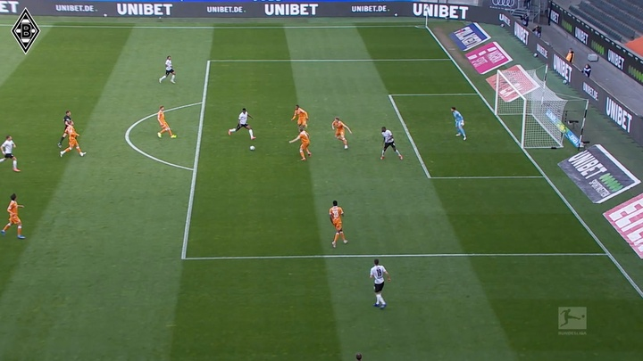 Gladbach were far too good for Bielefeld. DUGOUT