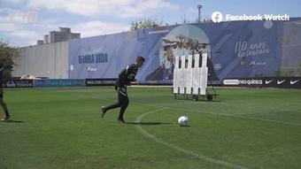 Corinthians realiza treino de finalizações.