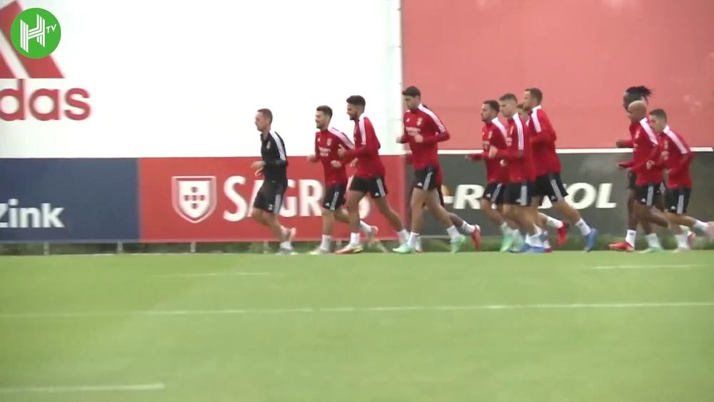 Le dernier entraînement de Benfica avant d'affronter le Dynamo Kiev. Dugout