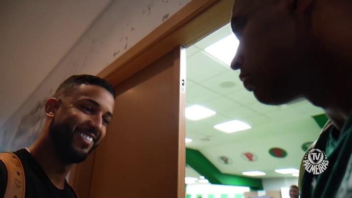 VIDEO : Le premier jour de Jorge à Palmeiras. dugout