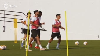Valencia are preparing for the game against AC Milan. DUGOUT
