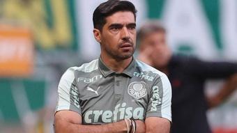 Palmeiras não consegue vencer Flamengo nem Atlético e Abel pede reforços.