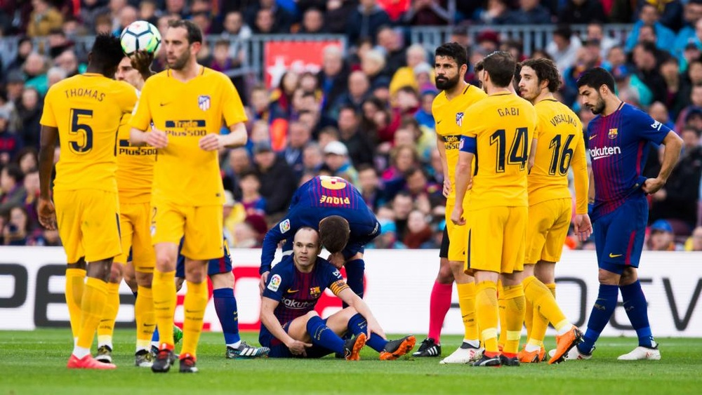 Iniesta is a doubt for the second leg against Chelsea. GOAL