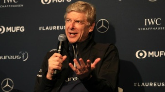 Wenger defends World Cup plans.