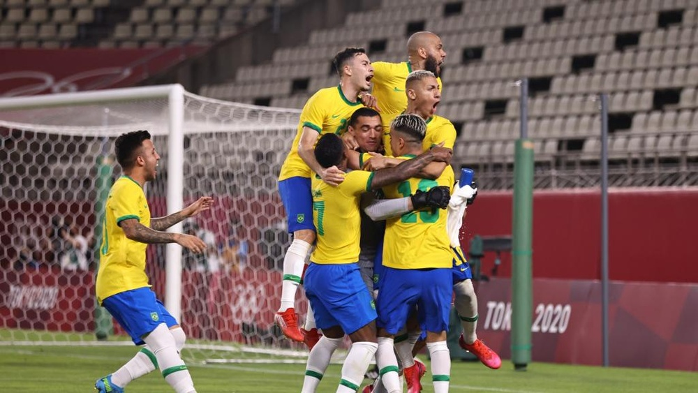 Brazil were on target from the spot as they beat Mexico 4-1 in the shootout. GOAL