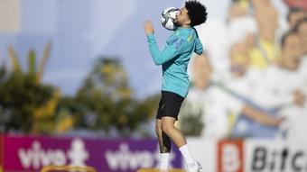 Mais problemas para Tite na seleção: Zenit 'desconvoca' Malcom e Claudinho. AFP