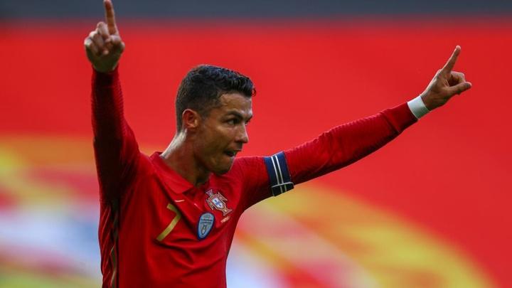 Maguire on Cristiano Ronaldo. AFP