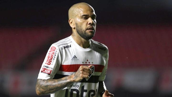 São Paulo tenta parcelar dívida de R$ 16 milhões com Dani Alves em quatro anos