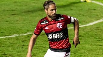 Alvo de críticas, Diego Ribas não faz problema com banco de reservas. EFE