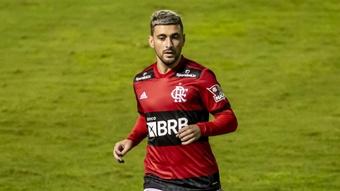 Filipe Luís e Arrascaeta devem reforçar o Flamengo contra o Barcelona; Andreas à frente de Maia e Diego