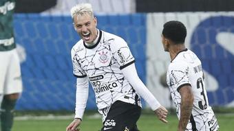 Róger Guedes: dois gols e comemoração 100% Corinthians contra o Palmeiras.