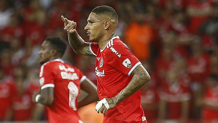 Internacional age com rigor e Guerrero decide cumprir contrato