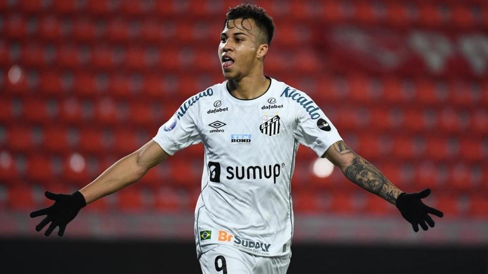 Juventus entra forte na disputa para contratar Kaio Jorge, do Santos