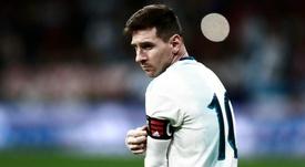 """Imprensa argentina avaliou Messi como """"melhor em campo"""" na derrota"""