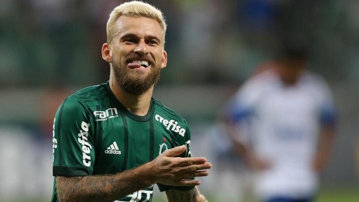 Santos e Palmeiras negociam Lucas Lima por empréstimo.