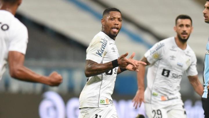 Minimíssil aleatório: quantos gols de fora da área Marinho fez pelo Santos? AFP