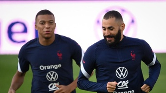 Karim Benzema (R) is confident Mbappe (L) will move to Real Madrid in the future. GOAL