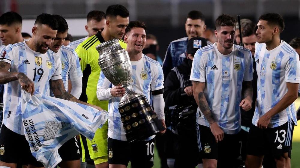 Messi sonhou acordado e chorou: ovacionado na Argentina e gols e superando marca de Pelé. AFP