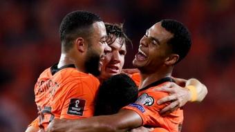 Van Gaal hails dominant Netherlands