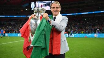 Mancini breaks Italy's losing streak. GOAL