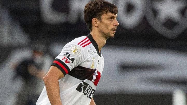 Rodrigo Caio divide méritos com atacantes por melhora defensiva no Fla. EFE