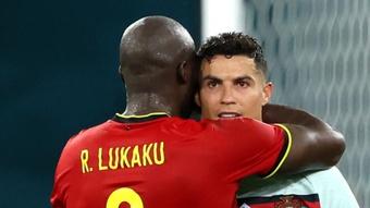 Romelu Lukaku on Cristiano Ronaldo. GOAL