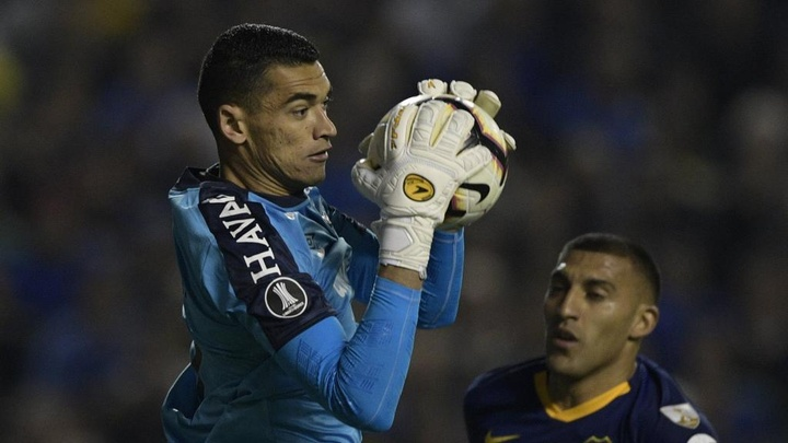 Goleiro Santos, do CAP, recebe proposta do Al Nassr. EFE